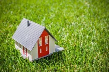 Оформить договор купли-продажи земельного участка у нотариуса